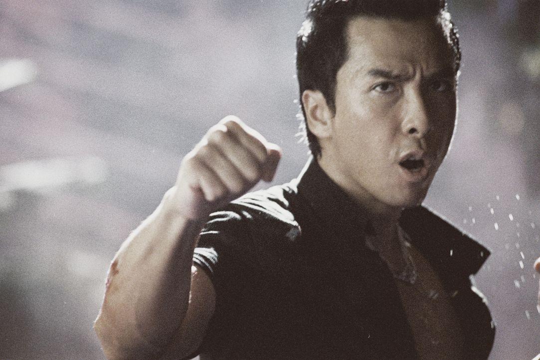 Erst spät erkennt Inspektor Ma Kwan (Donnie Yen), dass auch ein Polizist ab und zu Gesetze brechen muss, um hemmungslose Gangster dingfest machen z... - Bildquelle: Elite Entertainment Group