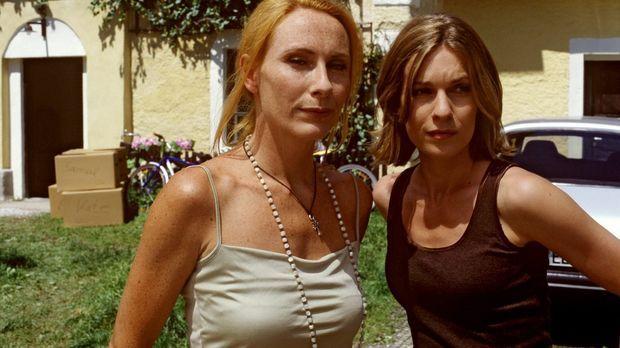 Kate (Lisa Martinek, r.) ist aus ihrem Haus ausgezogen, um nicht ständig an d...