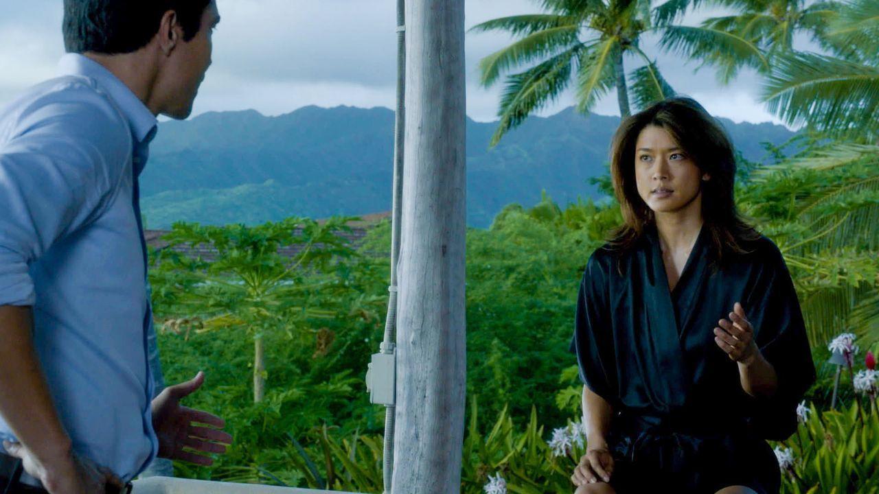 Während das Team in einem neuen Fall ermittelt, hat Kono (Grace Park, r.) Sorgen um ihre gemeinsame Zukunft mit Adam (Ian Anthony Dale, l.), wegen s... - Bildquelle: 2014 CBS Broadcasting Inc. All Rights Reserved.