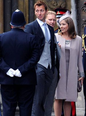 William-Kate-Gaeste-Verlass-der-Kirche-03-11-04-29-300_404_AFP - Bildquelle: AFP