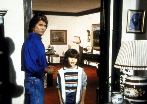 """Ein Engel auf Erden - Joey (R.J. Williams, r.) sucht den """"Daddy"""" vo..."""