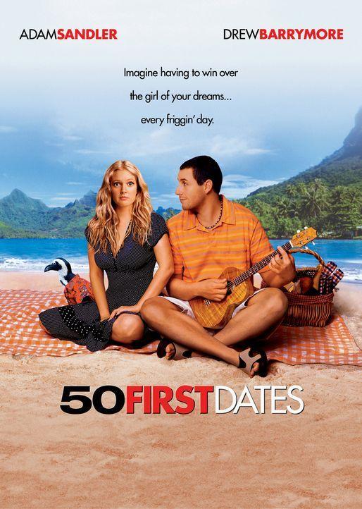 Henry Roth (Adam Sandler, r.) lebt als Zoo-Tierarzt auf Hawaii und genießt das unbeschwerte Schürzenjäger-Dasein in vollen Zügen - bis er sich u... - Bildquelle: Sony Pictures Television International. All Rights Reserved.