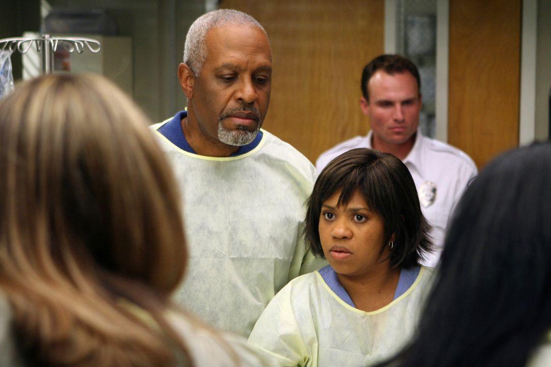Versuchen das Leben eins Patienten zu retten: Erica (Brooke Smith, l.), Webber (James Pickens Jr.,  M.) und Bailey (Chandra Wilson, r.) ... - Bildquelle: Touchstone Television