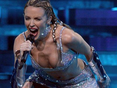 Kylie bei einem Auftritt in Zürich im Juni 2002 - Bildquelle: AFP