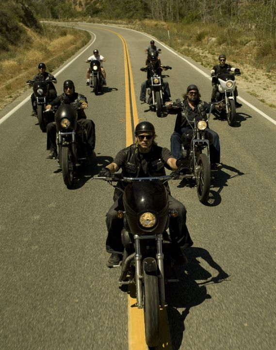 """(1. Staffel) - Sie sind das Gesetz in dem kleinen Ort Charming, einer nordkalifornischen Kleinstadt: Die """"Sons of Anarchy"""" - Bildquelle: 2008 FX Networks, LLC. All rights reserved."""