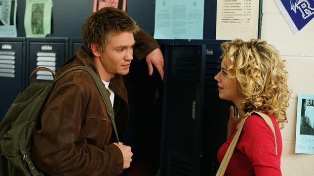 Zwischen Lucas (Chad Michael Murray, l.) und Brooke läuft es soweit ganz gut,...