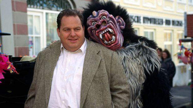Rosenmontag und der Karneval erreicht seinen Höhepunkt: Kommissar Berghammer...