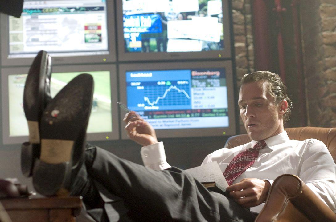 Zockt mit Millionen: Brendon (Matthew McConaughey) kann dank seiner hellseherischen Fähigkeiten zunächst Millionen erwetten. Doch dann verlässt i... - Bildquelle: Morgan Creek Productions