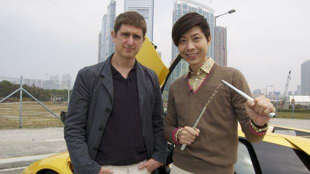 Marcel Theroux (l.) reist nach Hong Kong um sich mit Richard (r.), einem ganz...