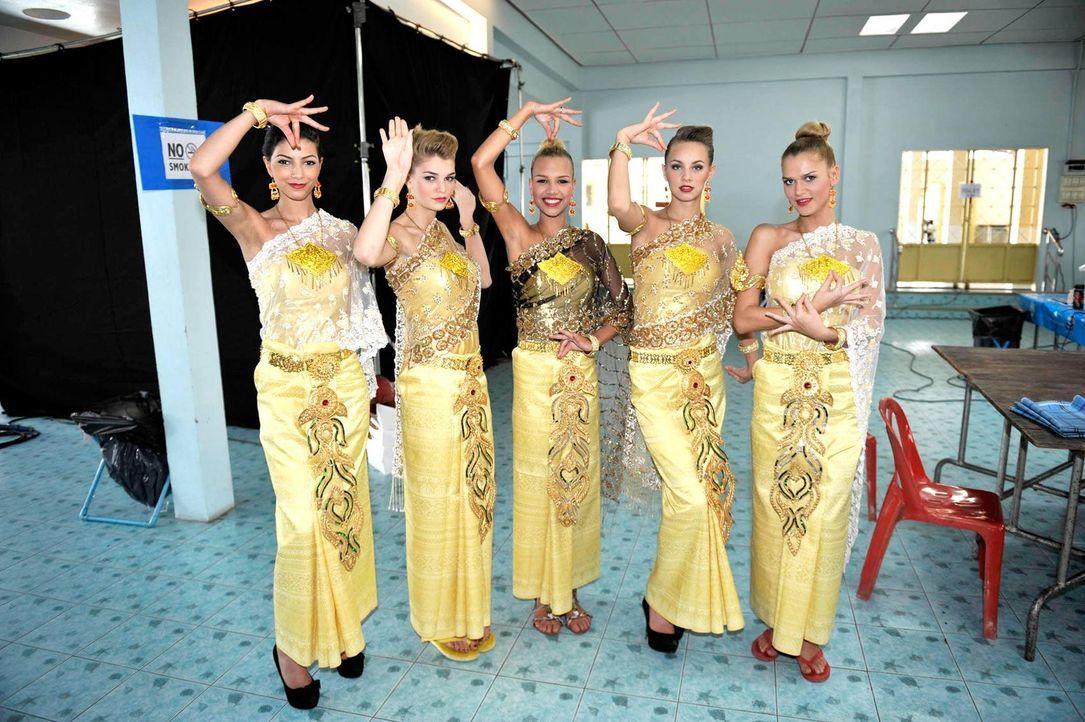 germanys-next-topmodel-stf07-epi03-thai-dance-038-oliver-s-prosiebenjpg 1700 x 1131 - Bildquelle: Oliver S./ProSieben