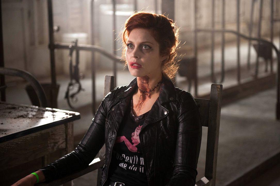 Wird es wirklich gelingen, Abaddon (Alaina Huffman), einen Ritter der Hölle, zu heilen? - Bildquelle: Warner Bros. Television