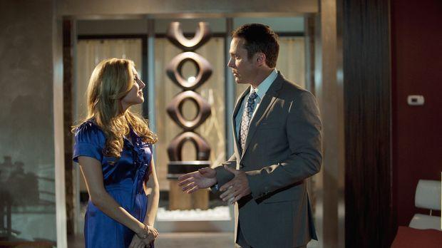 Steven (Anthony Starke, r.) macht Lauren (Cassie Scerbo, l.) klar, dass sie d...