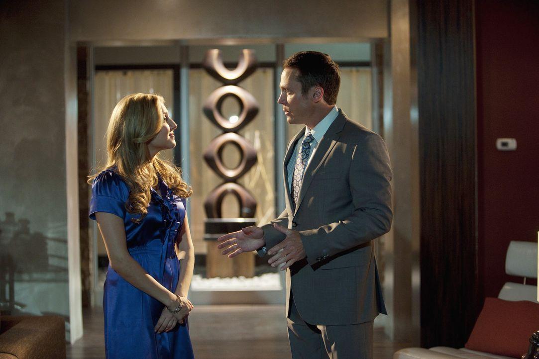 Steven (Anthony Starke, r.) macht Lauren (Cassie Scerbo, l.) klar, dass sie die Beziehung zwischen ihm und Chloe nicht zerstören kann ... - Bildquelle: 2010 Disney Enterprises, Inc. All rights reserved.