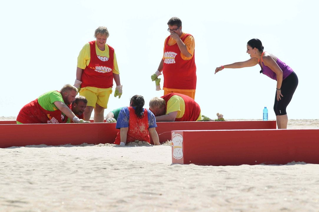 Silke Kayadelen (r.) hat für ihre Kandidten ein anspruchsvolles Programm auf Lager ... - Bildquelle: Enrique Cano SAT.1