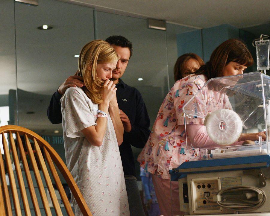 Ihr Sohn William hat nicht mehr lange zu leben. Gemeinsam möchten sich die Eltern Julia (Sarah Jane Morris, l.) und Tommy (Balthazar Getty, r.)  von... - Bildquelle: Disney - ABC International Television