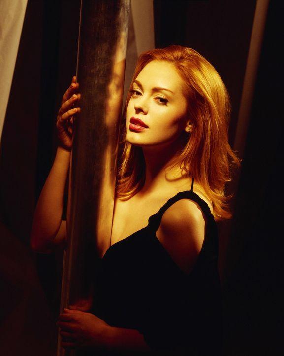 (6. Staffel) - Nimmt es mit jedem Dämon auf: Paige (Rosa McGowan) ... - Bildquelle: Paramount Pictures