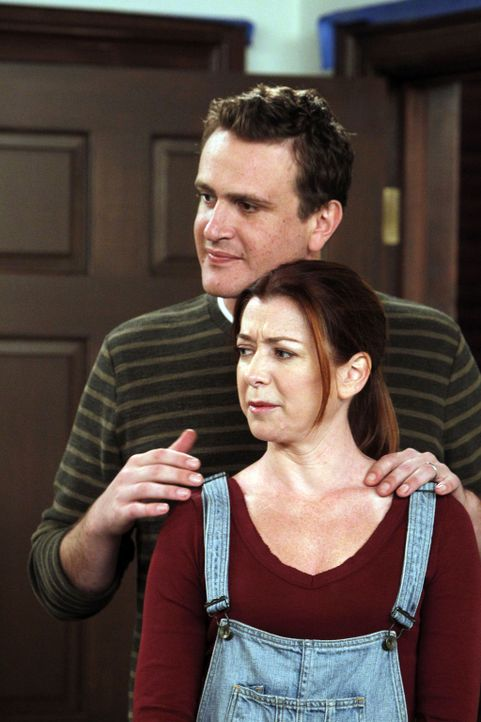 Sind sich nicht sicher, ob sie das Geschlecht ihres Babys in Erfahrung bringen möchten: Lily (Alyson Hannigan, vorne) und Marshall (Jason Segel, hi... - Bildquelle: 20th Century Fox International Television