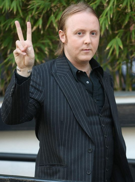 james-mccartney-12-04-02-wennjpg 1450 x 1950 - Bildquelle: WENN.com