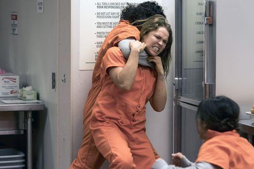 Im Gefängnis geht es gnadenlos zu. Vor allem Insassin Devon Penberthy (Ronda...