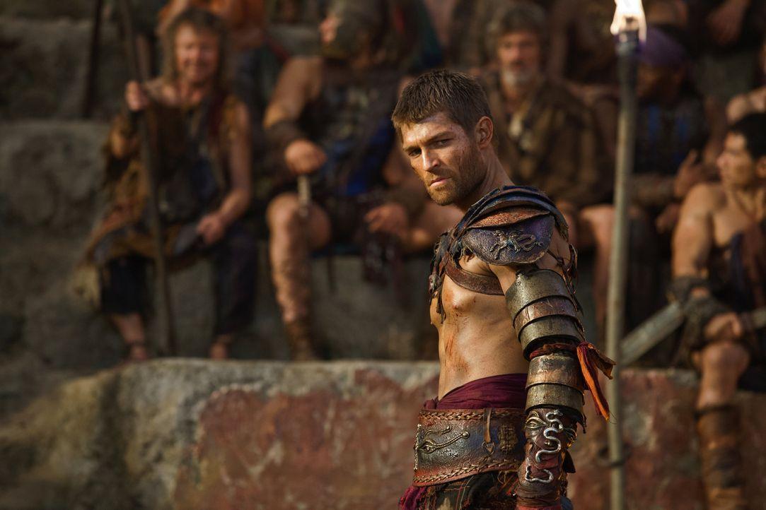 Spartacus (Liam McIntyre) ist es gelungen, sich ein Druckmittel gegen Crassus zu sichern: Tiberius! - Bildquelle: 2012 Starz Entertainment, LLC. All rights reserved.