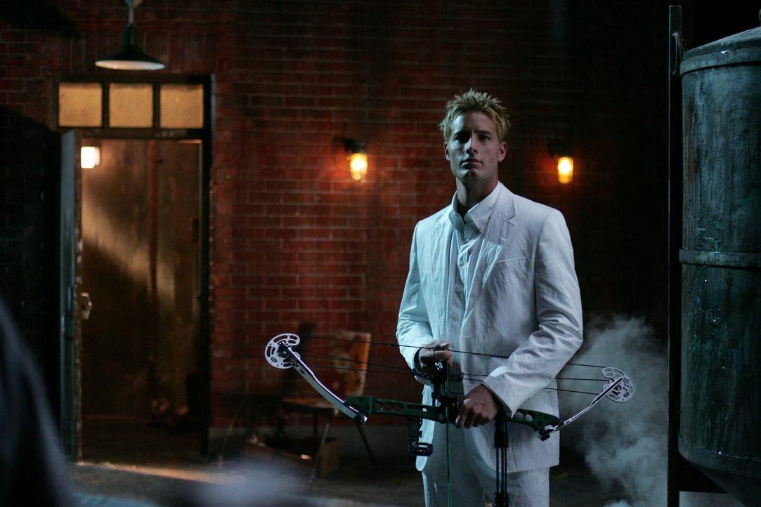 Oliver Queens (Justin Hartley) Geheimnis könnte Clark gefährlich werden ... - Bildquelle: Warner Bros.