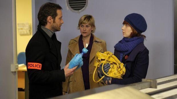 Ein ungewöhnlicher Fall bringt Chloé (Odile Vuillemin, r.), Fred (Vanessa Val...