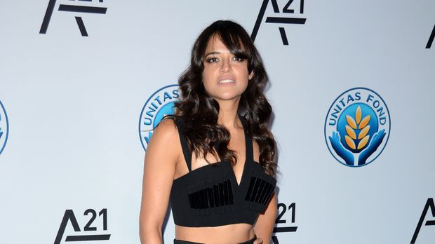 fast and furious 8 star michelle rodr guez so geht es. Black Bedroom Furniture Sets. Home Design Ideas