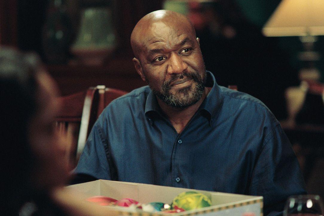 Joe (Delroy Lindo) hat das Herz am rechten Fleck, doch sein ältester Stiefsohn will das nicht wahrhaben. Bis zu diesem Weihnachtsfest ... - Bildquelle: CPT Holdings, Inc.  All Rights Reserved.