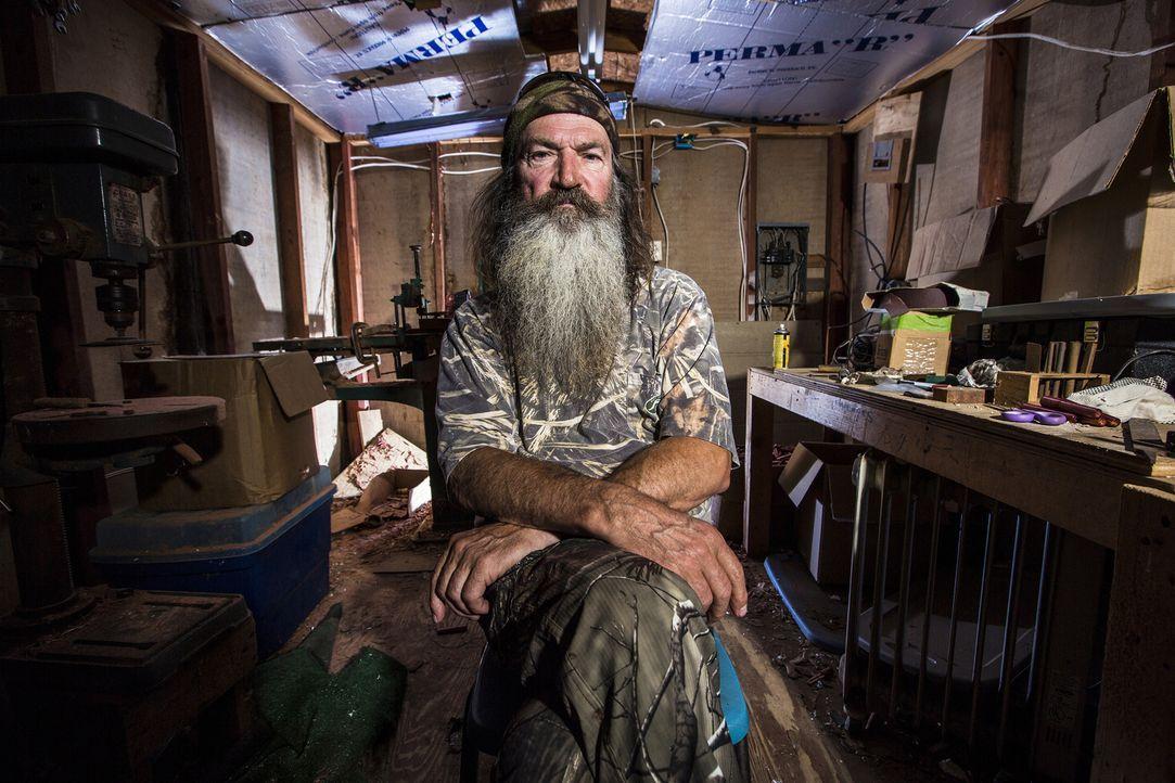 Als die alljährliche Halloween-Feier der Gemeinde wegen Platzproblemen auf der Kippe steht, bieten Phil (Foto) und sein Clan kurzerhand die Duck-Com... - Bildquelle: 2013 A+E Networks