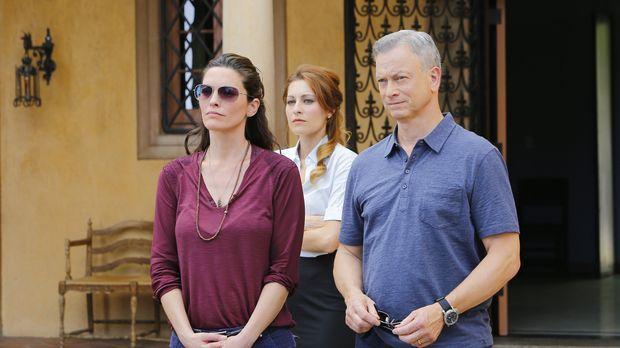 Jack Garrett (Gary Sinise, r.), Clara Seger (Alana De La Garza, l.) und das r...