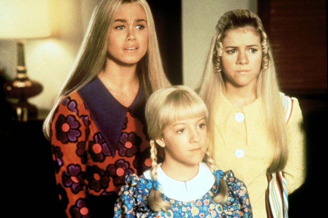 Die Brady-Mädels: Marcia (Christine Taylor, l.), Cindy (Olivia Hack, M.) und Jan (Jennifer Elise Cox, r.) ... - Bildquelle: Paramount Pictures