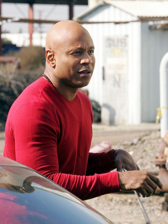 Ein neuer Fall, bei dem bei einem illegalen Straßenrennen einer der Wagen explodiert und der Fahrer ums Leben kommt, beschäftigt Sam (LL Cool J) und... - Bildquelle: CBS Studios Inc. All Rights Reserved.