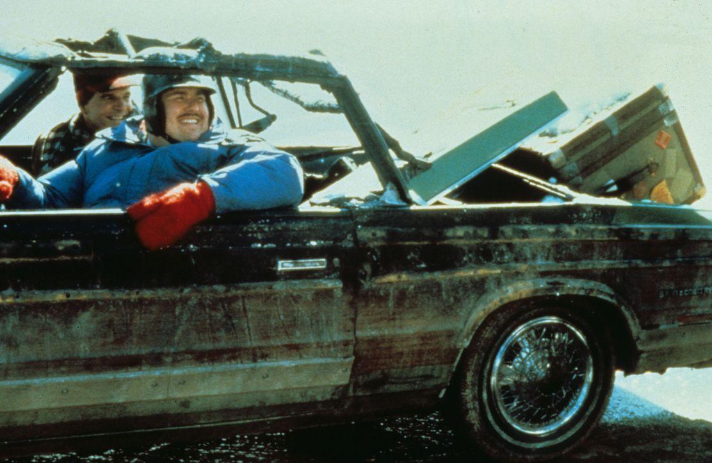 Durch eine Reihe von Pannen wird die Heimreise zur Odyssee, und der gutmütige Vertreter Del (John Candy, r.) fällt mit seiner Hilfsbereitschaft dem... - Bildquelle: Paramount Pictures