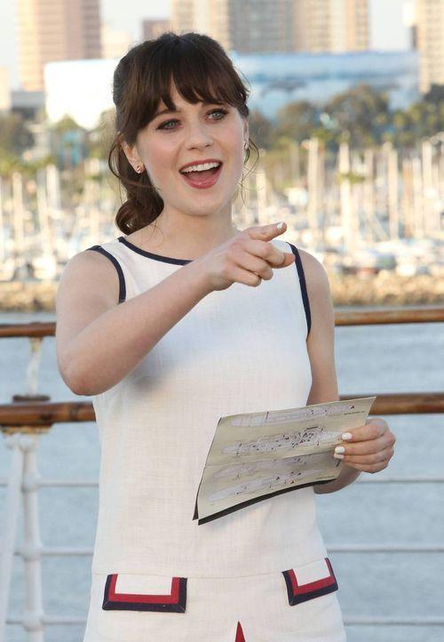 Hält die Schiffscrew auf Trab: Jess (Zooey Deschanel) ... - Bildquelle: 2014 Twentieth Century Fox Film Corporation. All rights reserved.