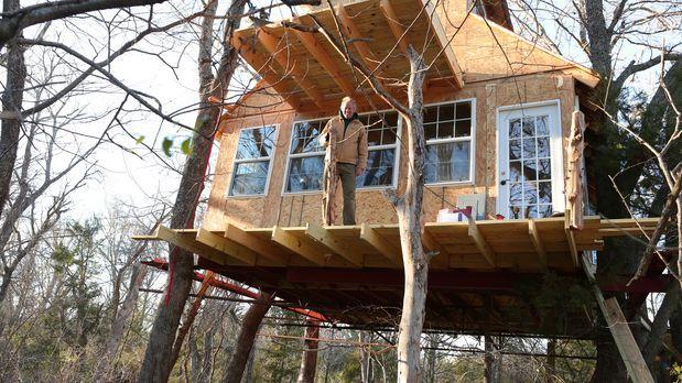 treehouse guys ein baumhaus f r die oma prosieben maxx. Black Bedroom Furniture Sets. Home Design Ideas