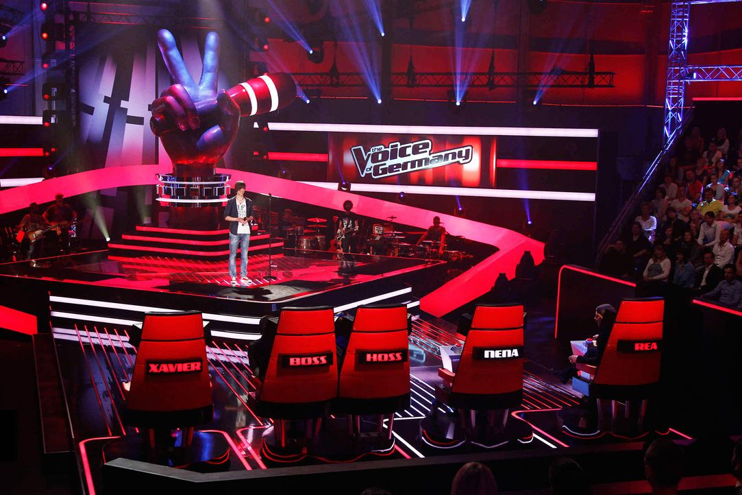 kevin-03-the-voice-of-germany-staffel-2-epi05-showjpg 2100 x 1400 - Bildquelle: SAT.1/ProSieben/Richard Hübner