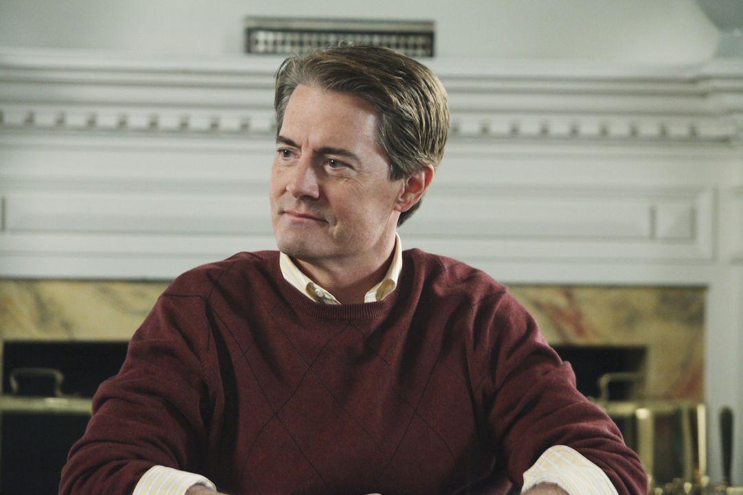 Während ein Ermittlerduo versucht herauszufinden, wer hinter dem Attentat auf Paul steckt, erscheint Orson (Kyle MacLachlan) wieder in der Wisteria... - Bildquelle: ABC Studios