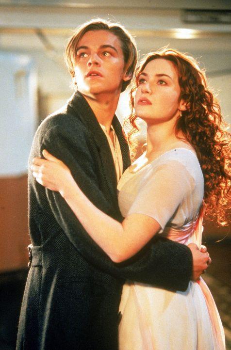 Rose DeWitt Bukater (Kate Winslet, r.), eine 17jährige Amerikanerin vom Oberdeck, die unter den strengen Regeln und Erwartungen der hohen Gesellsch... - Bildquelle: 20th Century Fox