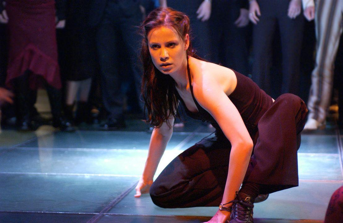 Seit ihrer Kindheit hegt Isabell (Karoline Kunz) einen Traum: Sie will Tänzerin werden - um jeden Preis ... - Bildquelle: Rainer Bajo ProSieben