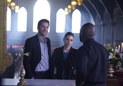 Lucifer - Chloe (Lauren German, M.) lässt sich auf Ermittlungen gegen einen D...