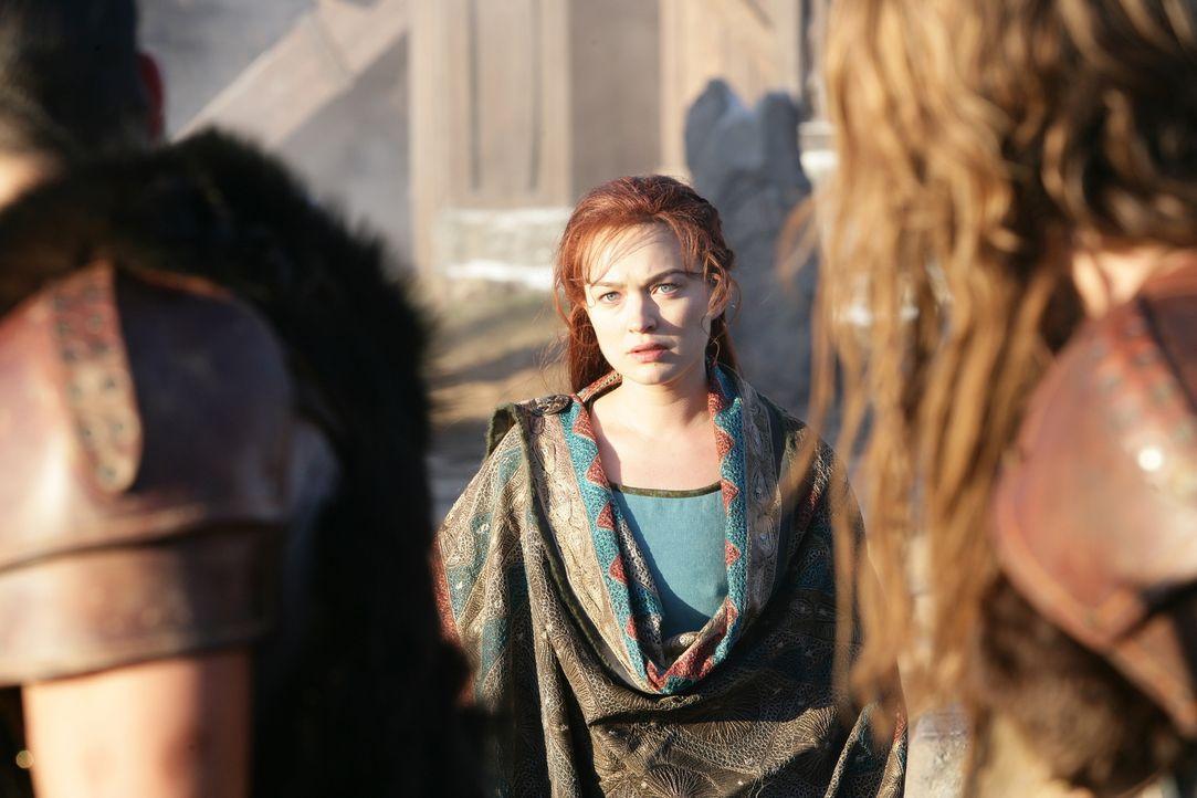 Kommt zufällig hinter das Geheimnis des mysteriösen Fremden: Wikinger-Prinzessin Freya (Sophia Myles) ... - Bildquelle: Telepool