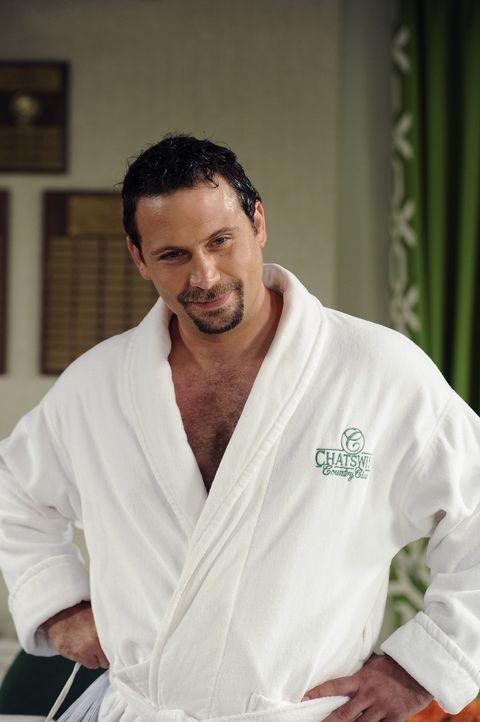 Entscheidet dem Country Club beizutreten - doch dann treten Probleme auf: George (Jeremy Sisto) ... - Bildquelle: Warner Bros. Television