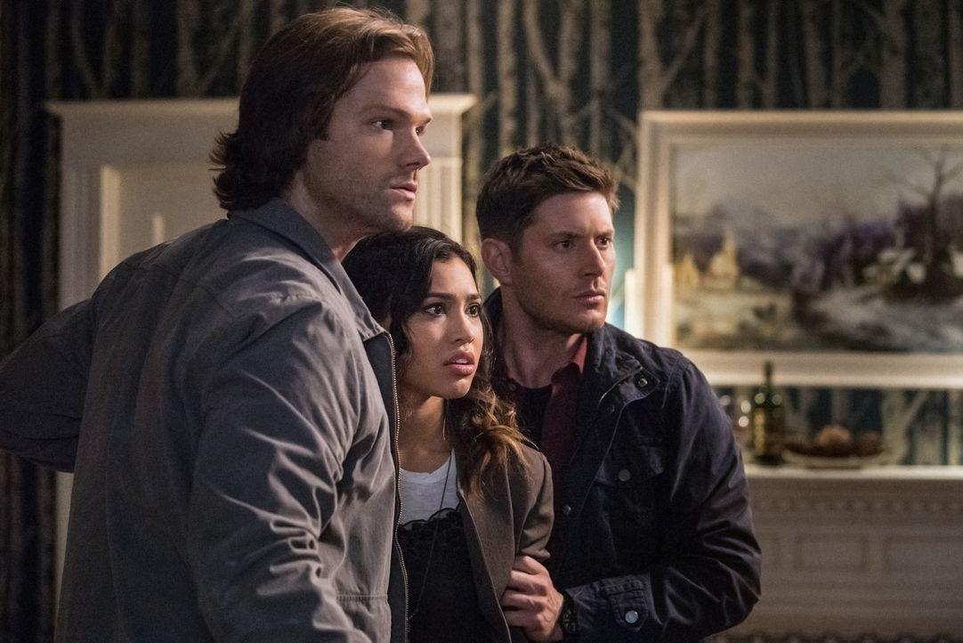 (v.l.n.r.) Sam (Jared Padalecki); Alicia Banes (Kara Royster); Dean (Jensen Ackles) - Bildquelle: Dean Buscher 2016 The CW Network, LLC. All Rights Reserved/Dean Buscher