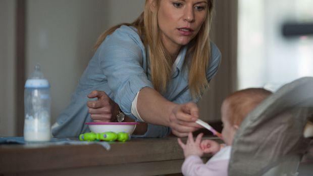 Während Quinn immer mehr die Kontrolle verliert, muss sich Carrie (Claire Dan...