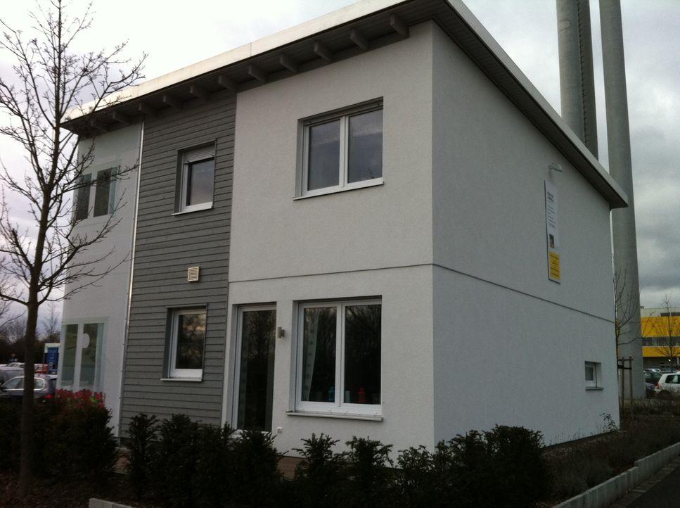 """Möbel zum Selberbauen - damit hat Ikea weltweit Erfolg. Nun will der Möbelriese in Deutschland auch Fertighäuser verkaufen. """"Abenteuer Leben"""" beg... - Bildquelle: kabel eins"""