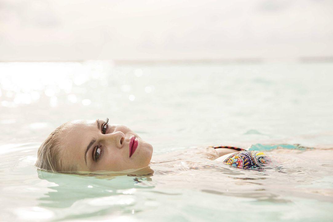 GNTM-Stf10-Epi13-Bikini-Shooting-Malediven-125-Darya-ProSieben-Boris-Breuer - Bildquelle: ProSieben/Boris Breuer
