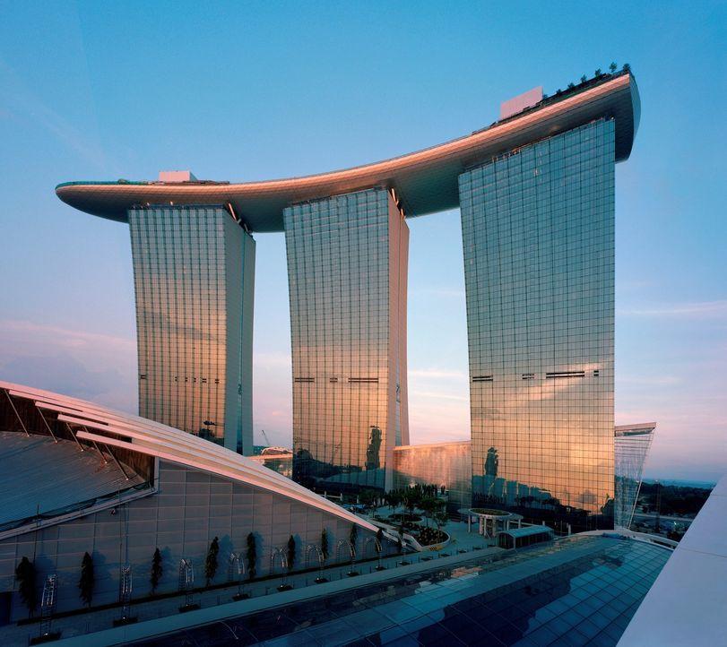"""Der weltbekannte Architekt Moshe Safdie erschuf mit """"Marina Bay Sands&q... - Bildquelle: Timothy Hursley Timothy Hursley"""