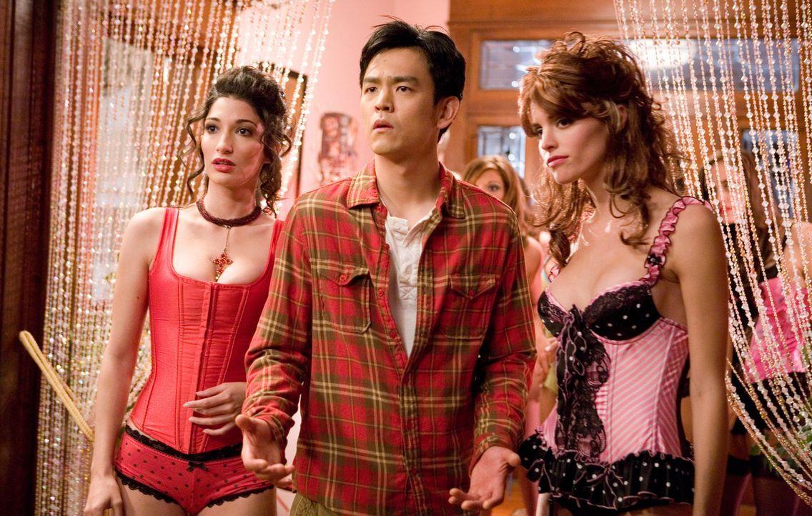 Hat nicht lange Spaß im Bordell: Harold (John Cho, M.) ... - Bildquelle: Warner Brothers