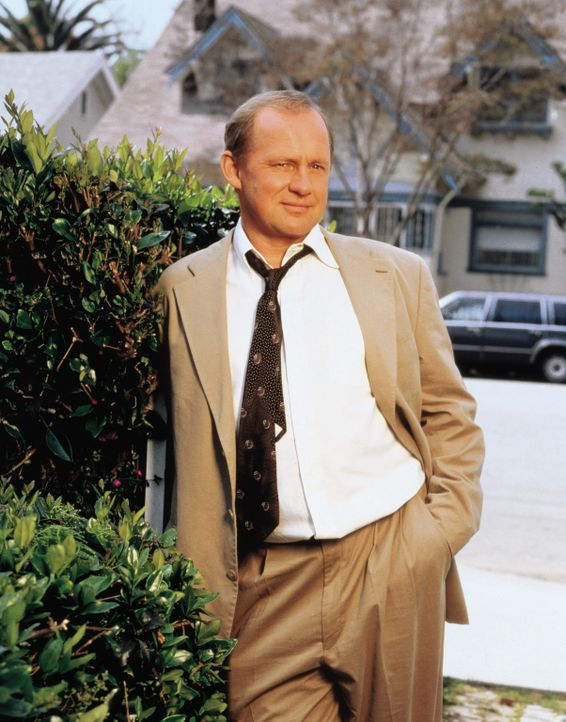Dr. Victor Leski (Peter Firth) ... - Bildquelle: CBS Television