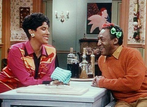 Bill Cosby Show - Clair (Phylicia Rashad, l.) ist begeistert von Cliffs (Bill...